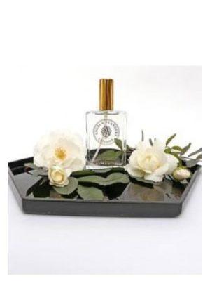 White Roses Angela Flanders für Frauen
